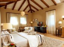 Резиденция «Крымский Бриз» - самое лучшее место для отдыха на Южном Берегу Крыма. Категория отеля - 5*. Великолепный сервис, просторные номера - уровень комфорта приятно удивит каждого гостя!