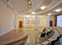 Санаторно-оздоровительный комплекс «Империя», Евпатория - современный отель предназначен для отдыха родителей с детьми. На фото — конференц-зал отеля.